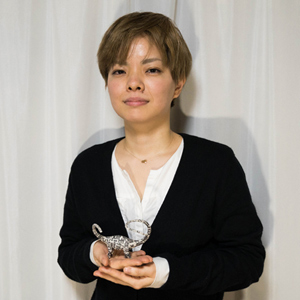 No.12 杉﨑 良子 <br>[新聞紙恐竜作家]
